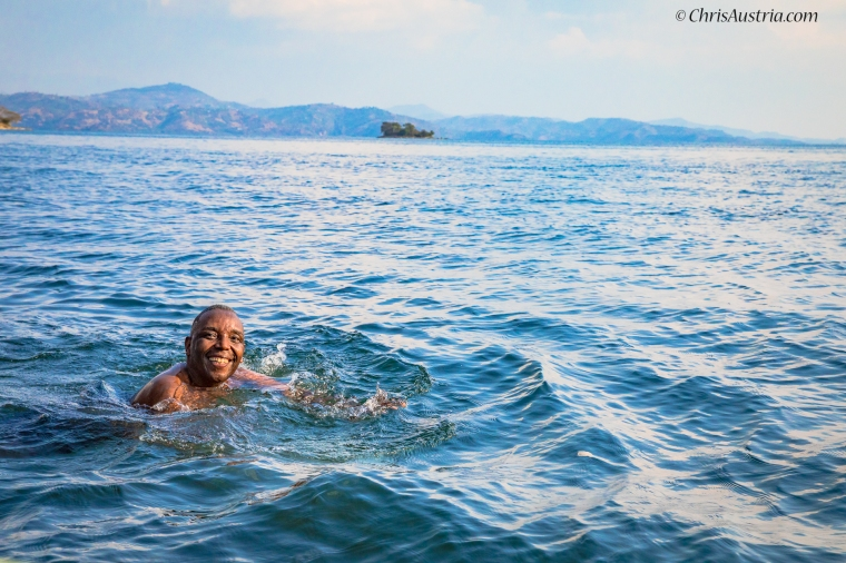 Rwanda_Ben_Swimming_Kivu_WM